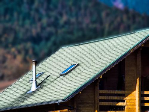大屋根に設置された煙突